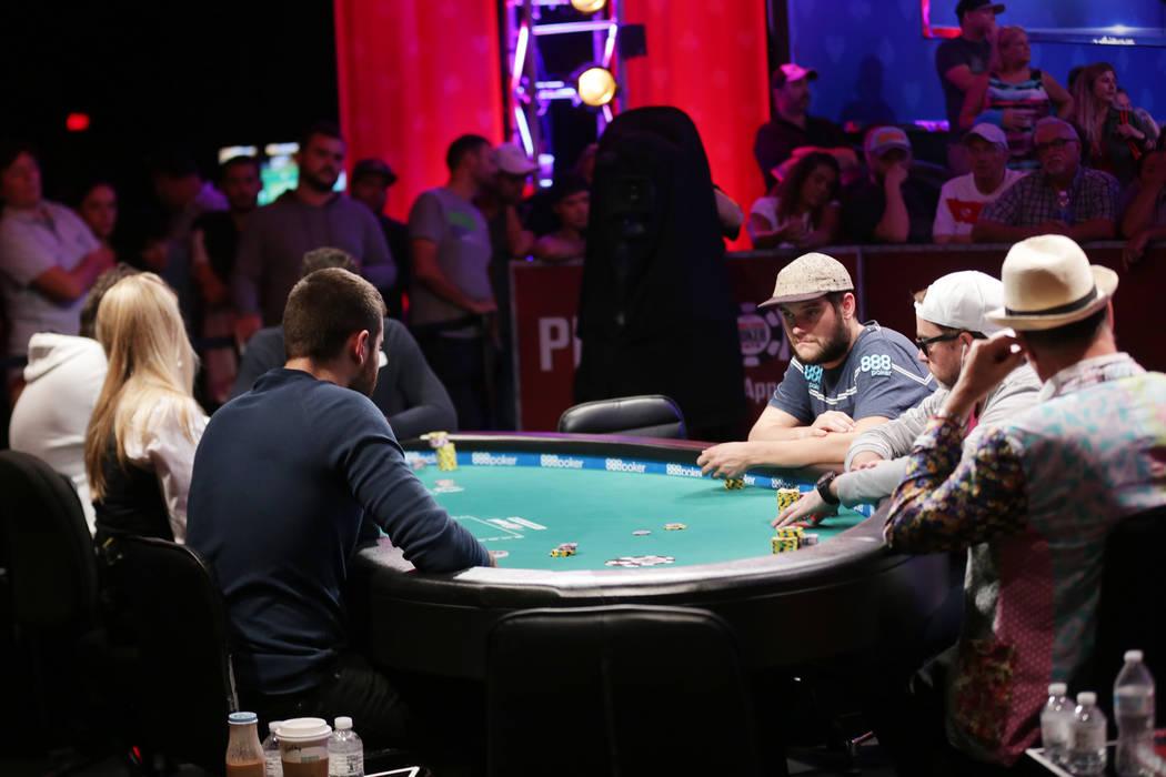 fun filled 1 - Live Merchants Make On-line ViralQQ Poker Gambling Site on key level