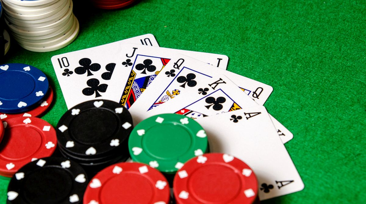 Poker - Develop the right image of you in poker game