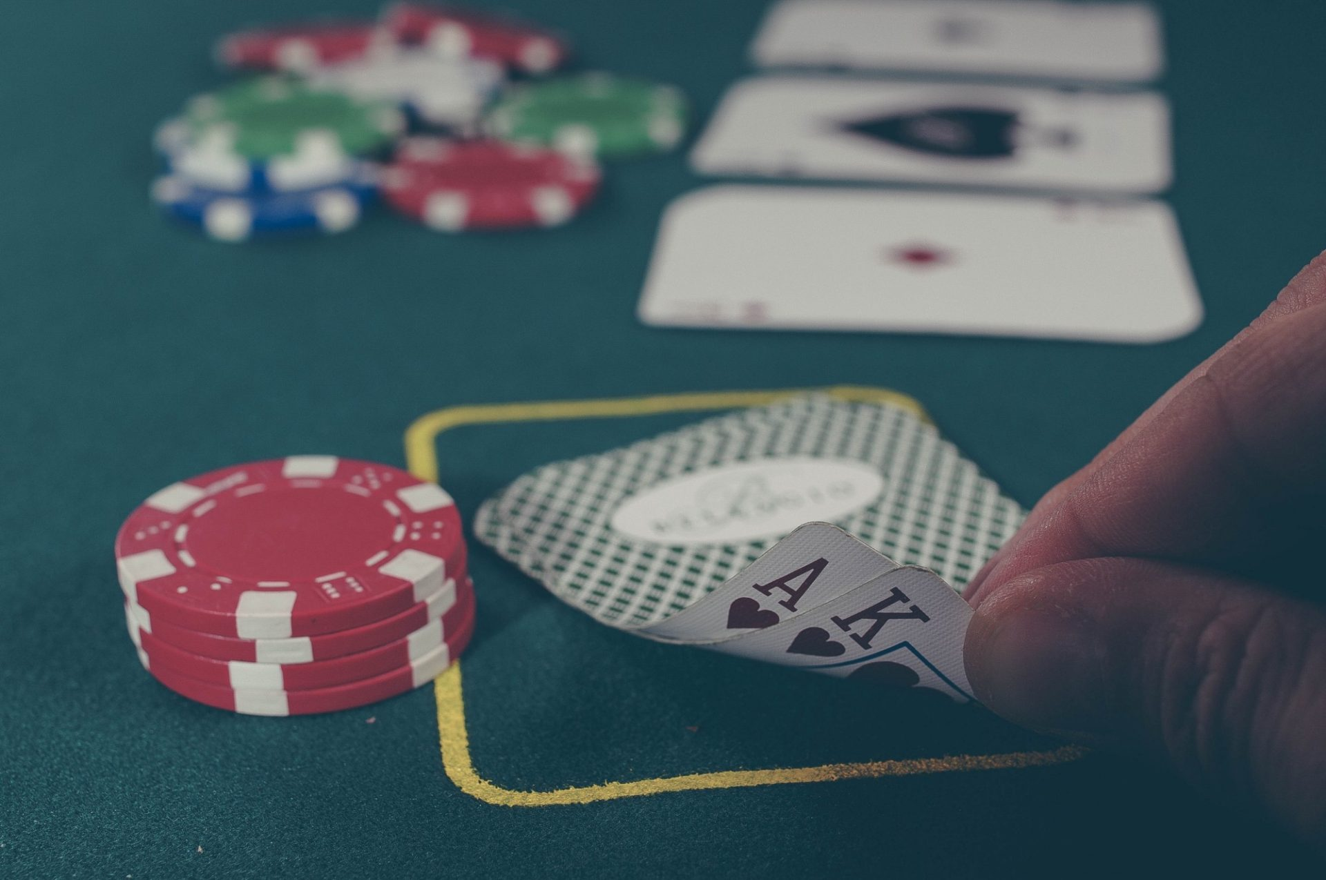 casino 1 - Online Poker Strategy beyond the Basic Rules in Websites