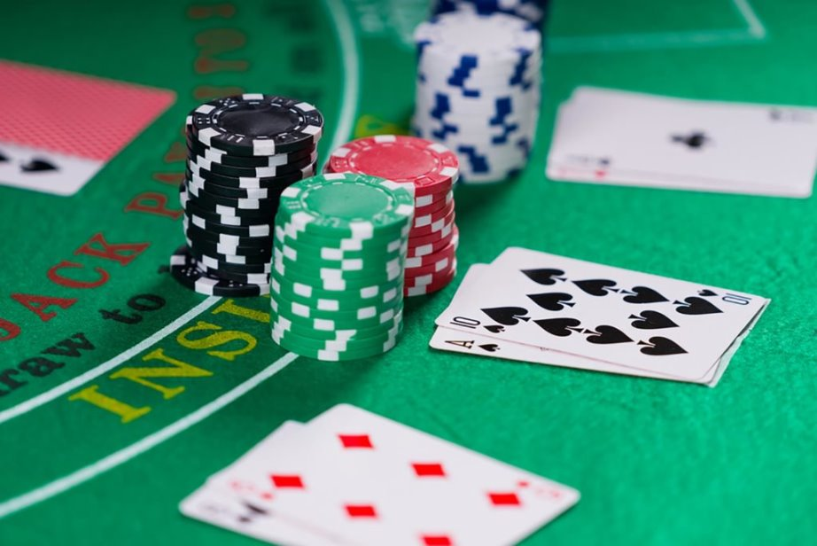 01 blackjack The Best Casino Games That Wont Take as Much of Your Money According to Gambling Experts 675135787 Netfalls Remy Musser 1024x684 1 - Winning Big at an Internet Casino Blackjack Card Game