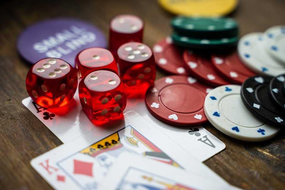 gambling 4178462 960 720 20190719115630 - Drawing In Fun With Playing Online Gambling Games